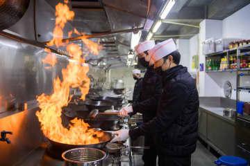 有名レストランがデリバリーで営業再開 湖南省長沙市