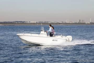 スズキマリンが販売する小型フィッシングボート「S17」