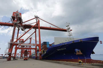 The Sihanoukville deep-sea port lays a vital role in the trade relations between Cambodia and Thailand. (Khmer Times photo)