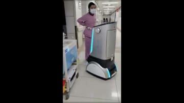 浙江省の病院、感染対策用5Gロボットを導入