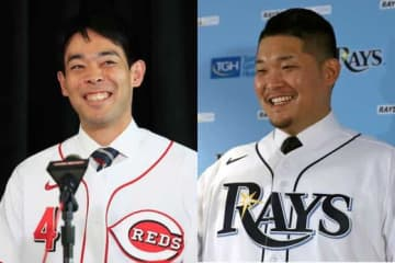 レッズ・秋山翔吾(左)とレイズ・筒香嘉智【写真:Getty Images、AP】