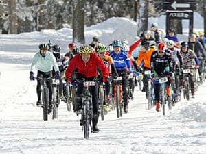 雪上コースを元気に走り抜けたレース