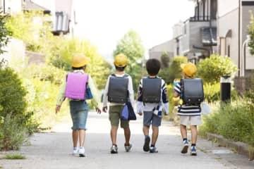 小学校半ばくらいで増える、子どもの友達関係の悩み。ここでは「親としてはこの子と付き合ってほしくないな……」と感じる交友関係について、どう向き合っていったらいいのかを見ていきます。