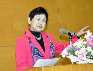 社会が変化する中での女性の活躍について語る坂東氏