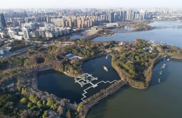 快晴の武漢市、澄み切った青空広がる