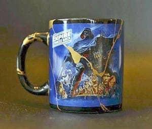 「金継ぎ」で修復されたリービンさんのマグカップ