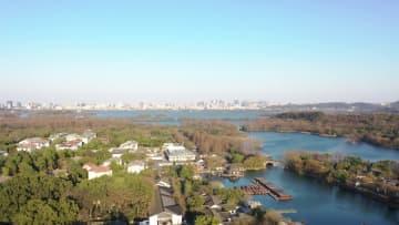 空から見た早春の西湖 浙江省杭州市