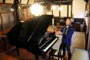「大切なピアノで地域ににぎわいを生みたい」と話す福光さん
