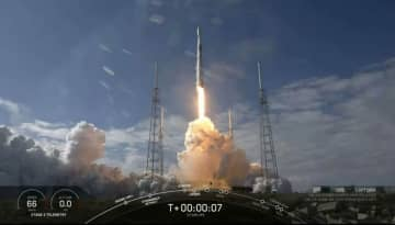 スペースX、スターリンク衛星60機を打ち上げ成功 ブースター回収は失敗