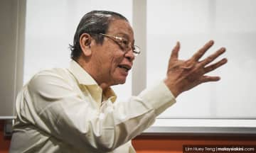'Speak up' - Kit Siang tells former gov't leaders over Abbott's MH370 claims