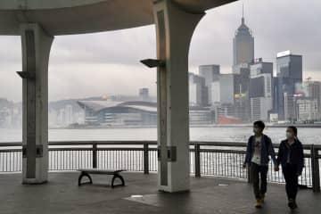 香港経済、20年も軟調続くおそれも 香港廠商会