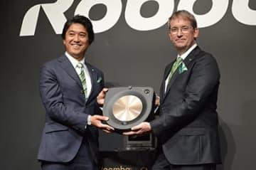 2月28日に発売するルンバの最上位モデル「s9+」。税別価格は16万9800円