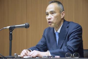 共同通信などのインタビューに応じる日本郵便の衣川和秀社長