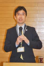 270校を超える学校から予約があることを報告する今井専務理事