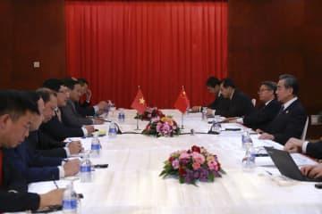 王毅氏、ベトナム副首相兼外相と会見 新型肺炎対策の成果強調