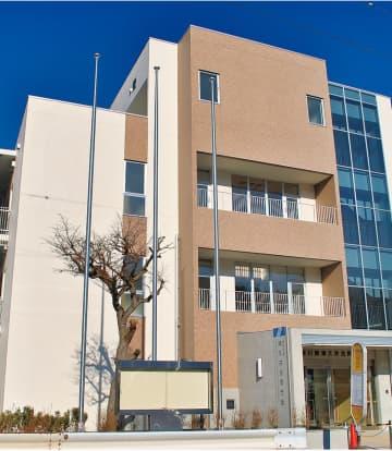 新築された津久井合同庁舎の本館