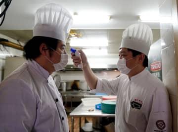 上海の老舗レストラン、職場復帰した会社員らに弁当の出前を開始