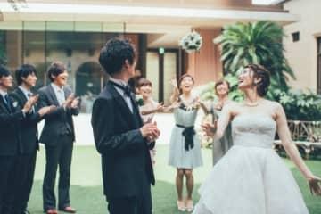 新型コロナ心配、でも来月結婚式 新郎新婦もゲストもマスクできない披露宴 画像