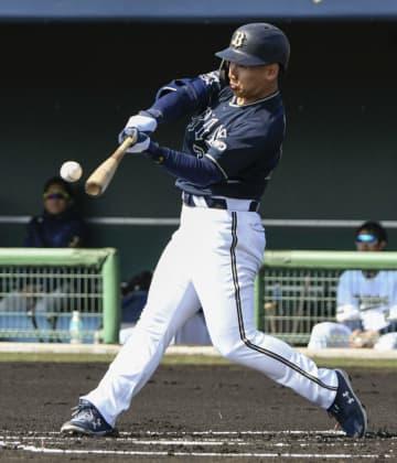 オリックス吉田正、実戦初本塁打