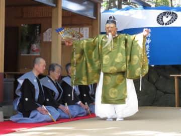 伝統の勝田流通り能奉納 伊勢市の栄通神社で