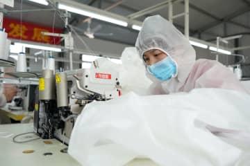 貧困脱却支援の工場、感染との闘いを支援 河北省邢台市