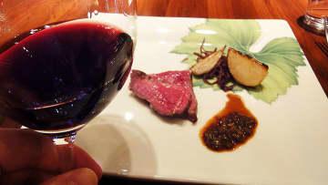 甲州ワインビーフの絶品赤身肉と山梨ふき味噌を甲斐ノワールで、田崎真也「グリーンペッパーのような香りの... 画像