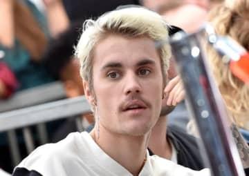 Justin Bieber Beats US Chart Record