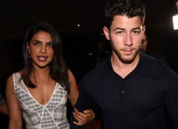 Nick Jonas & Priyanka Chopra Have Dinner With Family In Mumbai