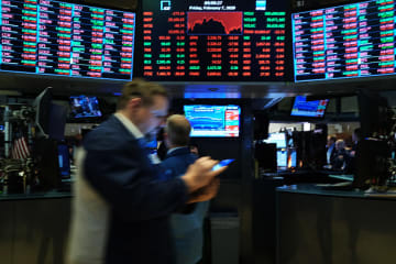 N.Y. stocks continue to dive on coronavirus fears