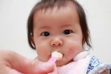 食パンを使った離乳食レシピ!いつからOK?耳の食べ方は?【管理栄養士監修】