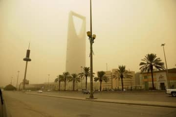 A current dust storm is expected to continue in Riyadh. (AN photo/Iqbal Hossain)