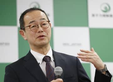 記者会見する原子力規制委の更田豊志委員長=26日、東京都港区