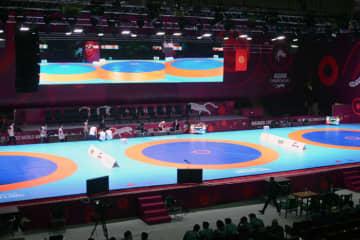 アジア予選を待つキルギスの体育館(2018年アジア選手権)。日本選手はこのマットに立てるのか?