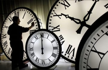 "Daylight Saving Time starts in 2020 on Sunday, March 8 at 2 a.m. This marks the day the clocks change, or ""spring forward,"" and we lose one hour of sleep. (file p/)"