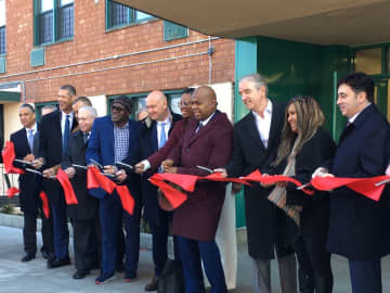Decaying, rat-infested housing complex gets $200M renovation