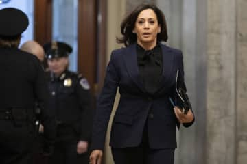 Sen. Kamala Harris, D-Calif., arrives on Capitol Hill in Washington, Friday, Jan. 31, 2020, for the impeachment trial of President Donald Trump on charges of abuse of power and obstruction of Congress. (AP Photo/ Jacquelyn Martin) (Jacquelyn Martin/)