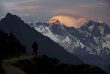 エベレストの春季登山を禁止、ネパールが感染対策