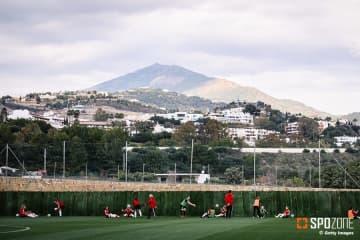 スペインでサッカーコーチがコロナ感染で死亡