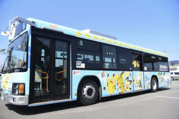 電気バス、車体に「ピカチュウ」 伊勢・三重交通、デザイン刷新