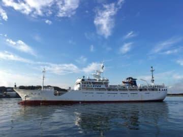 5代目となる現在の「進洋丸」。新船は災害時活用などを目指す(県教委提供)