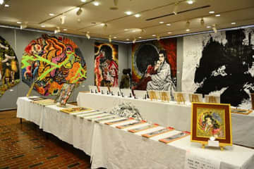 18歳のねぷた絵師・井上神節さんが開いた初めての個展