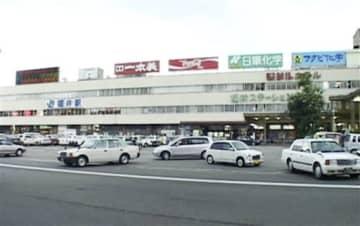 20年ほど前のJR福井駅舎。ホテルや飲食店、土産物店が入っていた