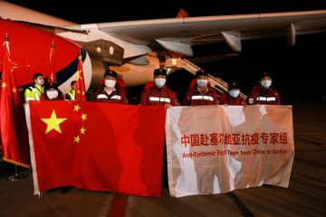 中国医療専門家チーム、セルビアに到着