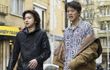 映画『太陽は動かない』より - (c)吉田修一/幻冬舎 (c)2020「太陽は動かない」製作委員会