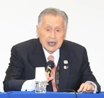 会見する森喜朗会長(撮影・金田祐二)