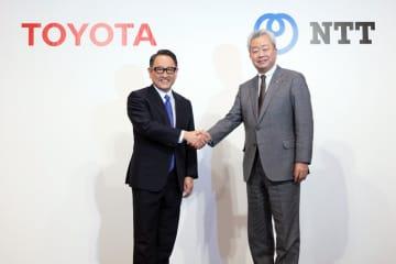 左)豊田章男トヨタ社長と右)澤田純NTT社長