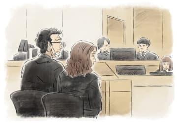 法廷での父親の泰孝被告(57)と母親の由加里被告(55)=イラスト・坂井雅恵