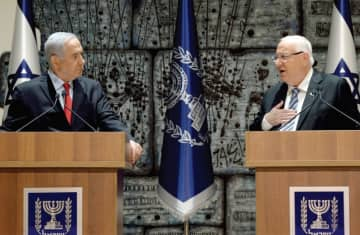 Netanyahu and Rivlin (photo credit: CHAIM ZACH / GPO)