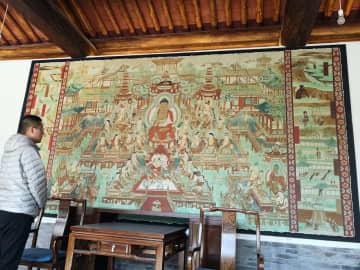 古壁画に西洋絵画の要素 新感覚が庶民に人気 山西省忻州市