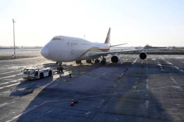 ハンガリーが中国から調達した防疫物資、ブダペストに到着